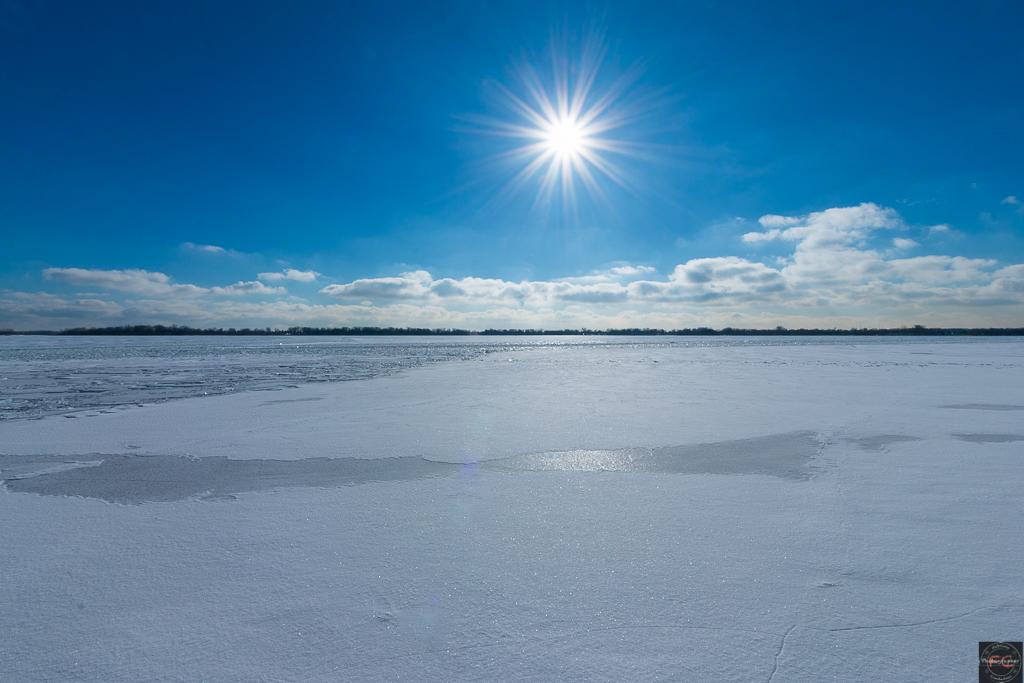 Lago Ontario ghiacciato in inverno...