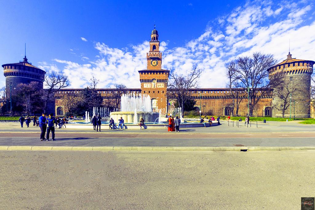 Castello Sforzesco in una visione grandangolare...